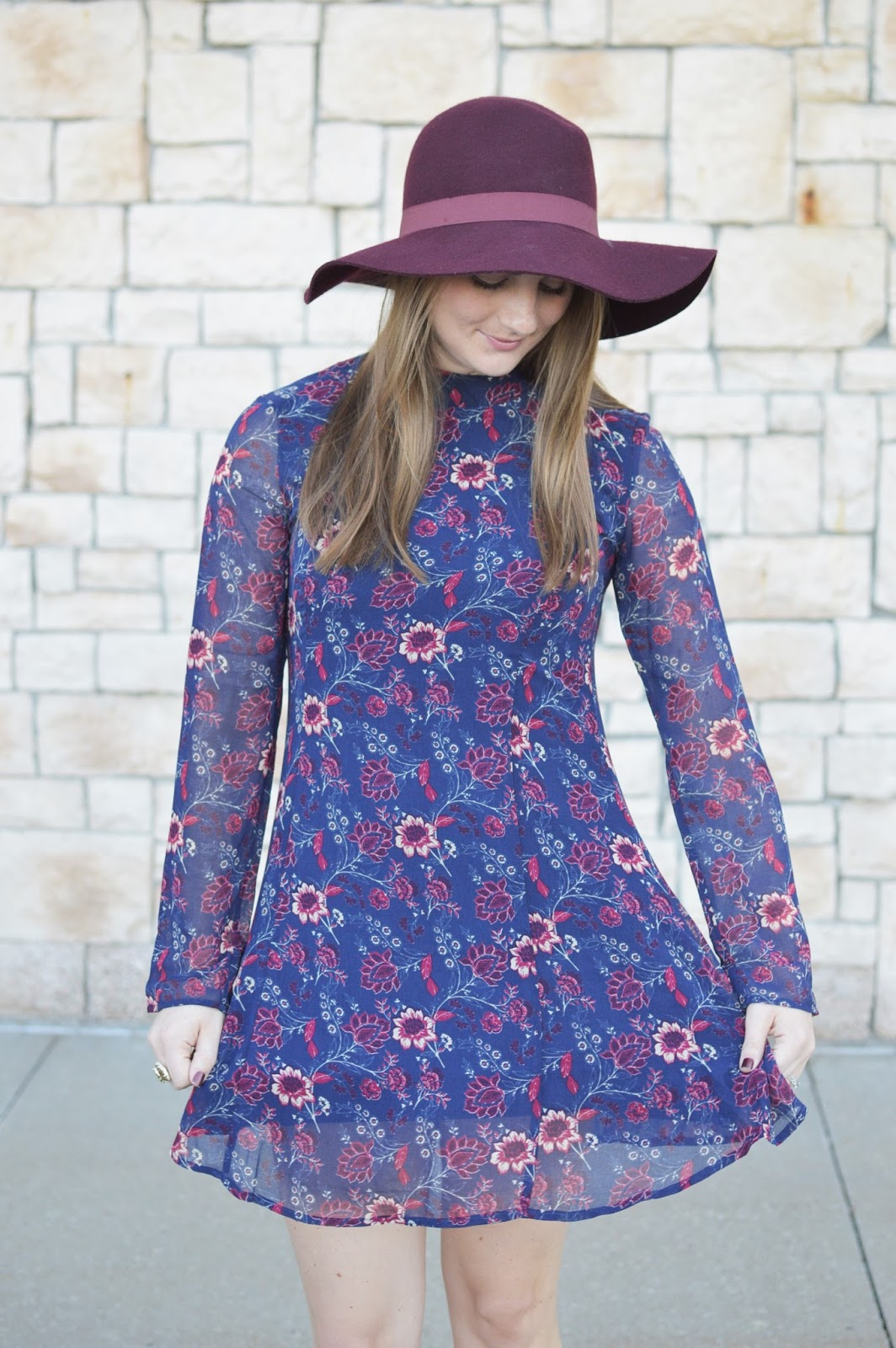 cute fall dresses for less than $50 | floral print for fall | burgundy floppy hat | dresses with floppy hats | a memory of us blog | kansas city fashion blog