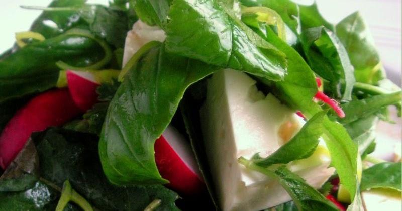 Voikukka Salaatti