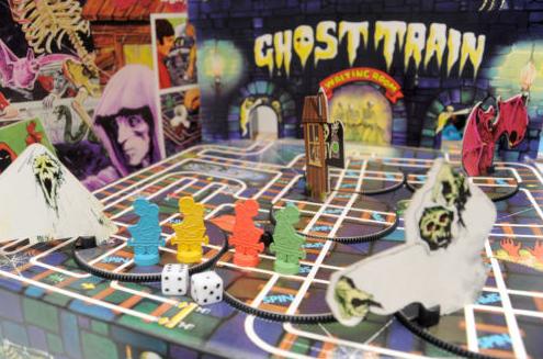 Wacky Comics!: Scream Inn Board Game!