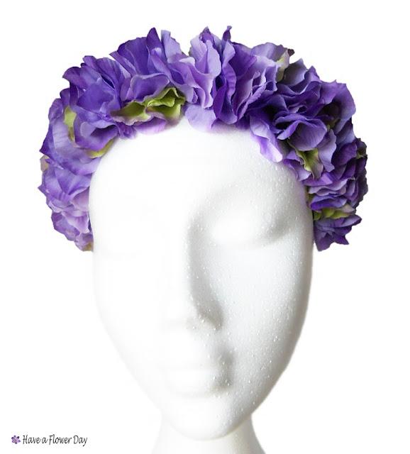 Corona flores moradas · Purple flower crown