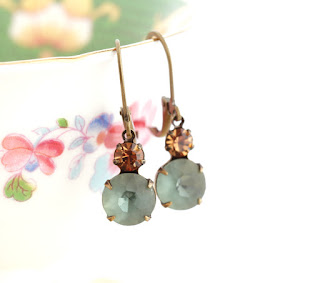 https://www.etsy.com/listing/270368245/vintage-jewel-earrings-glass-jewel?ref=shop_home_active_8