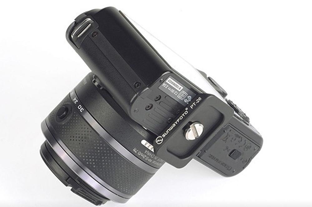 Sunwayfoto PT-26 QR plate on Nikon J1