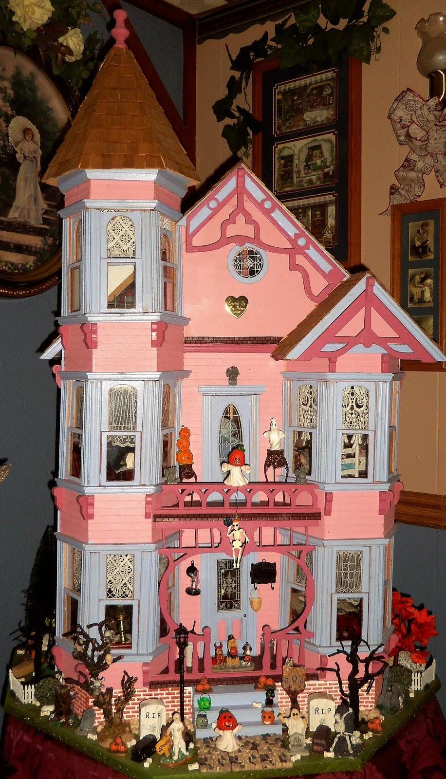 DEBBIE-DABBLE BLOG: Halloween Victorian Doll House, 2017