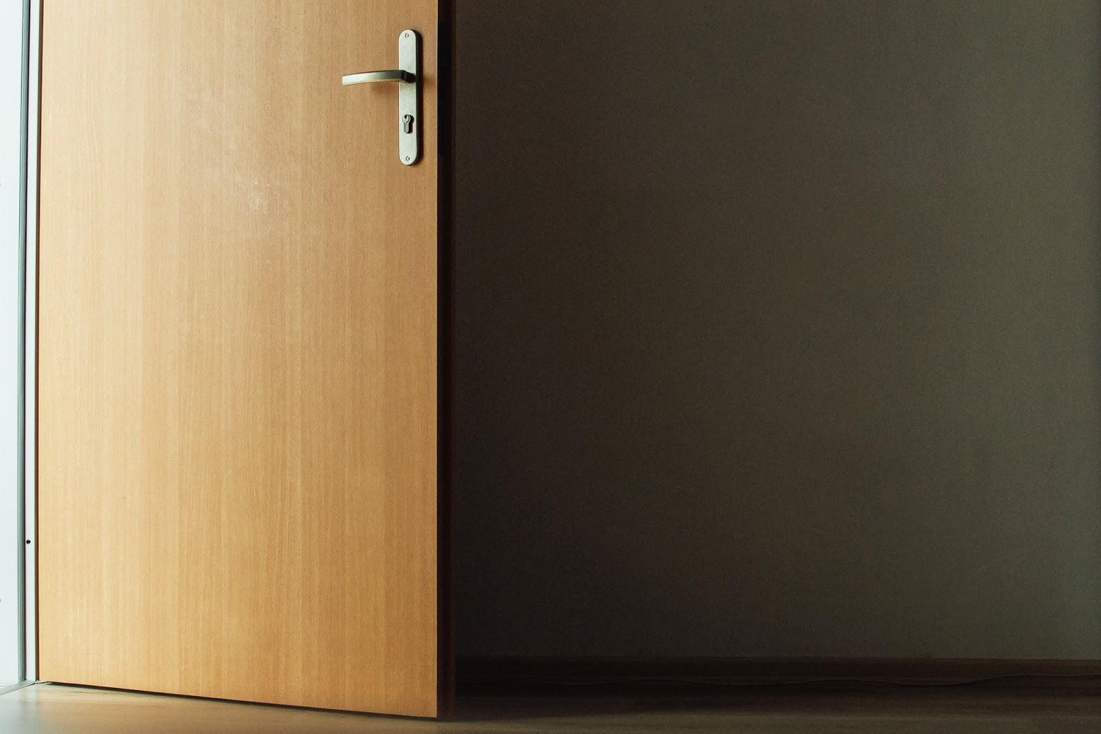 drzwi do nowego mieszkania