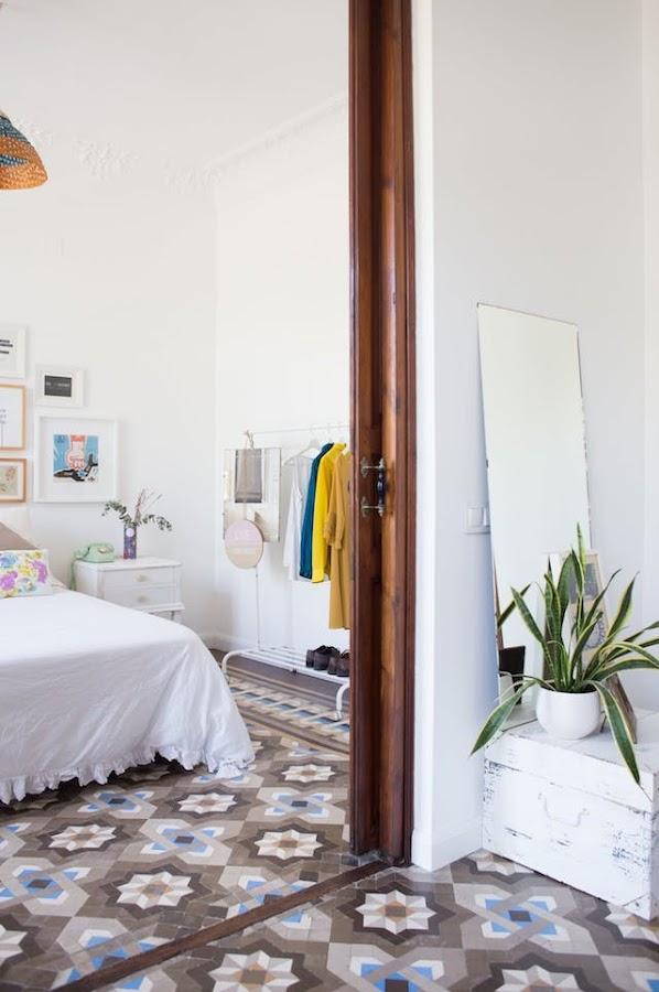 dormitorio con burro de estilo nuevo rústico