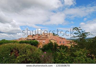 http://www.shutterstock.com/it/pic-135568678/stock-photo-ocher-colorful-historical-village-of-roussillon-and-landscape-provence-france.html?src=YiZmZkujY5Jg1T_0WV22mQ-4-4?rid=407011