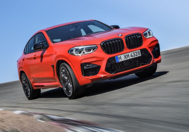 bmw-2021-x4-m-on-the-road