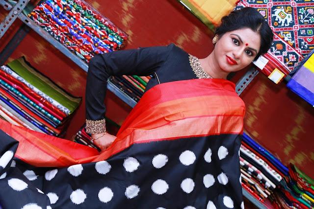 Actress Deekshitha Parvathi Inaugurates Pochampally IKAT art mela @ Secundrabad