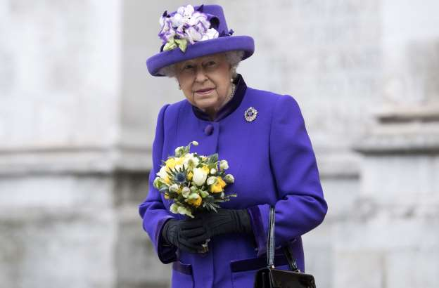 'Recuperating' Queen Misses New Year Church Service