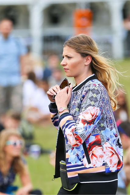 10 new ways to rock a festival look - the Bomber Jacket