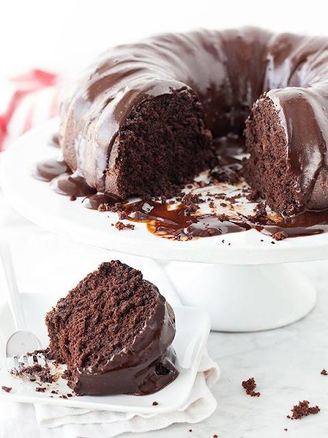 Σοκολατένιο κέικ με γκανάζ εσπρέσσο - Devil's Food Cake with chocolate-espresso ganache