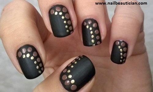 Black matte nails
