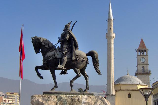 Κράτος-μαφία εναντίον Ελλήνων