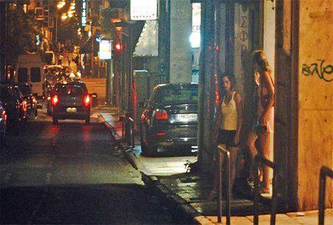 "H εξoμολόγηση μιας Ελληνίδας πόρvης: ""Αυτά μου ζητούν οι Έλληνες πελάτες μου""! Σοκαριστικές λεπτομέρειες... (AΚΑΤAΛΛΗΛΕΣ PHOTOS)"