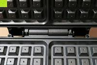 Scharnier: Waffeleisen Belgisch für 4 belgische Waffeln,XXL Waffelautomat,brüssler Doppel,Thermostat, stufenlose Temperatureinstellung, Backampel, Cool-Touch Griff