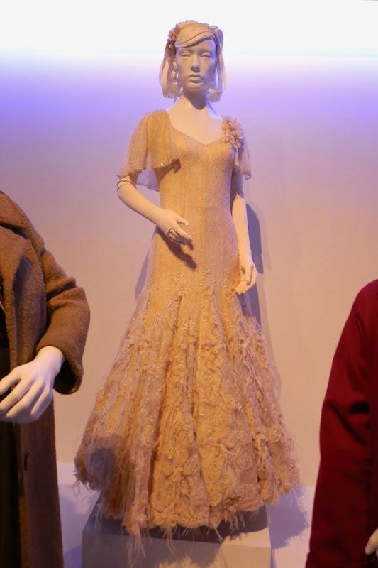 Sally Hawkins Shape of Water Elisa Esposito ballgown