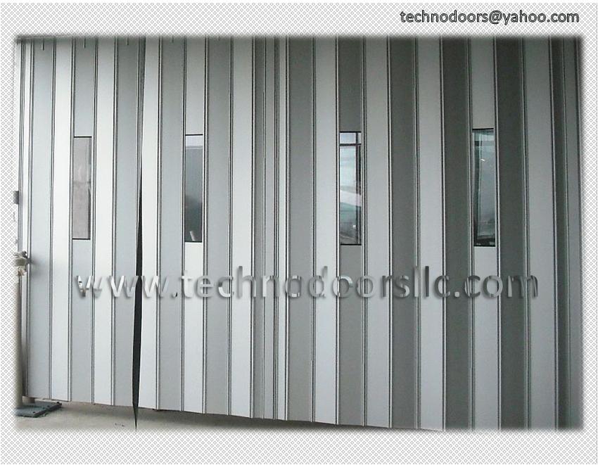 Folding Doors: Metal Folding Doors