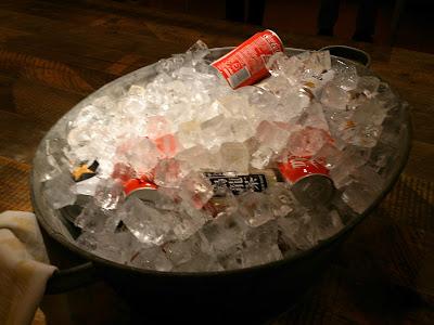 アマゾンジャパンでの懇親会、ビールやジュースもキンキンに冷えてました