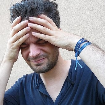30 Cara Menyembuhkan & Mencegah Sakit Kepala (Penyebab & Gejalanya)