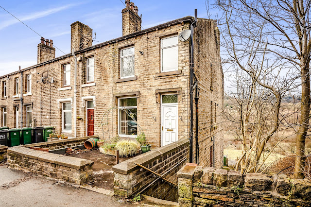 This Is Huddersfield Property - 3 bed end terrace house for sale Manchester Road, Linthwaite, Huddersfield HD7