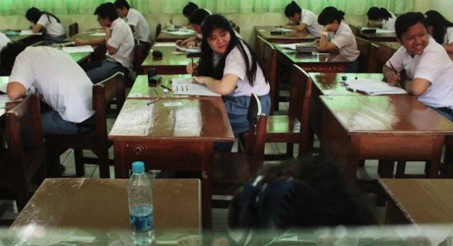 tempat duduk kelas