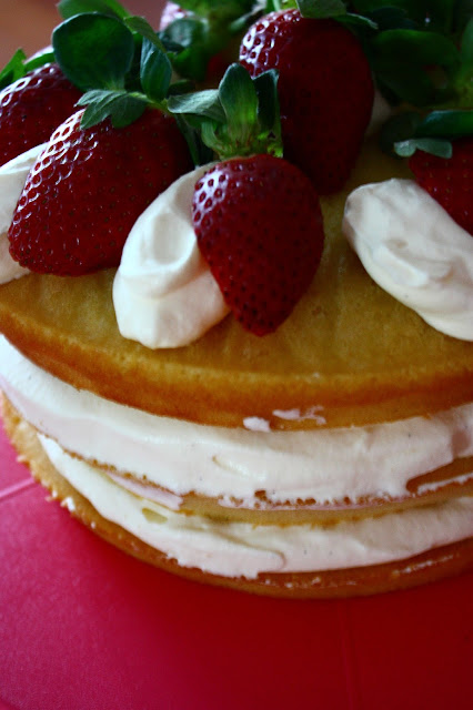 White Chocolate, Strawberries and Cream Cake
