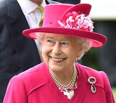 https://2.bp.blogspot.com/--4iYxt6uvLM/VZFR_Nw2ENI/AAAAAAAACdo/5vjnKdZIB-4/s400/Queen-Royal-Ascot-304322.jpg