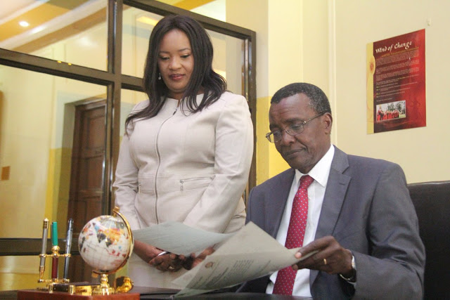 Drama As Ms Sungura Is Sworn In By CJ Maraga Holding Bible Upside Down