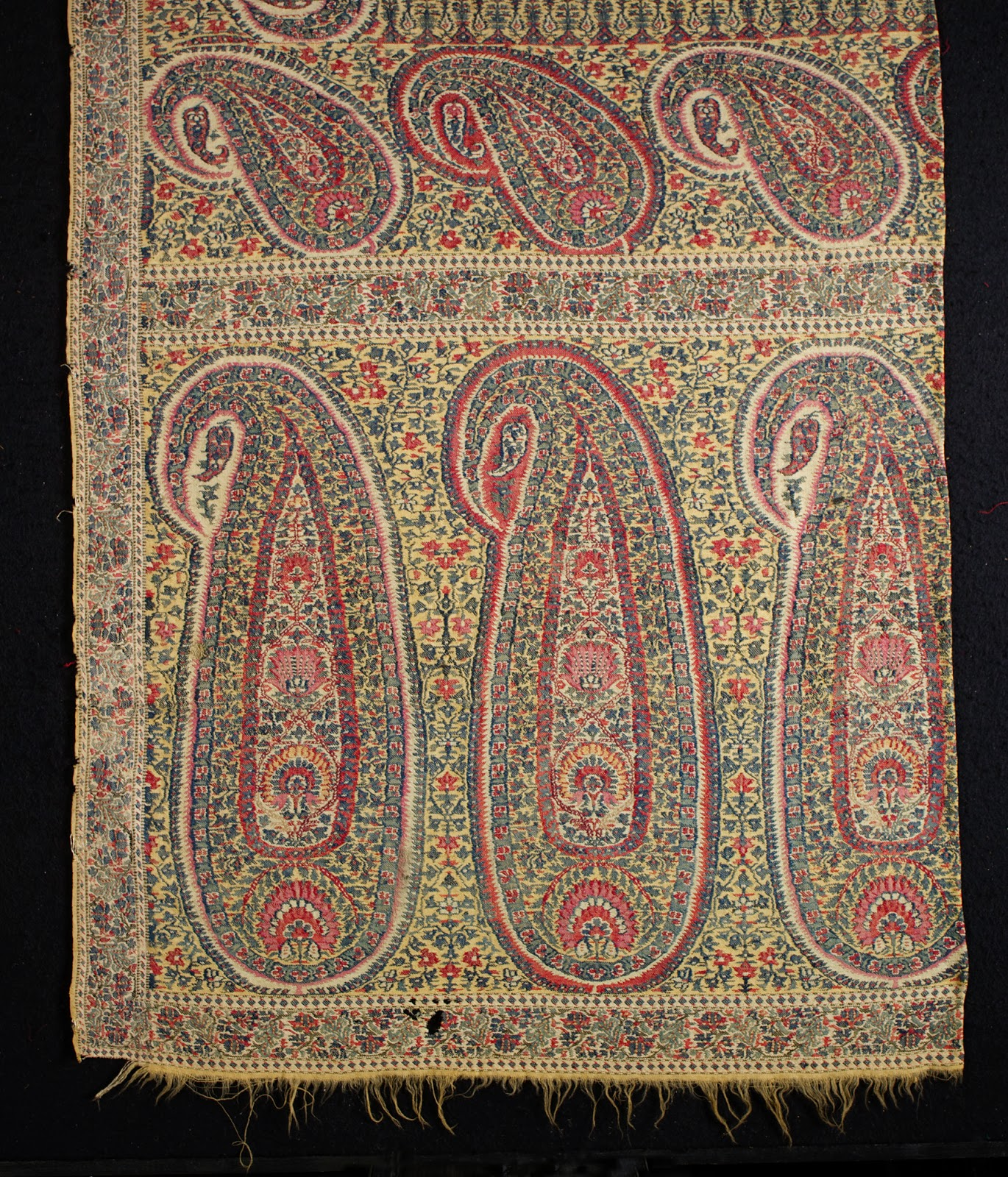 FolkCostume&Embroidery: The Shawl, An Asian Invasion Into
