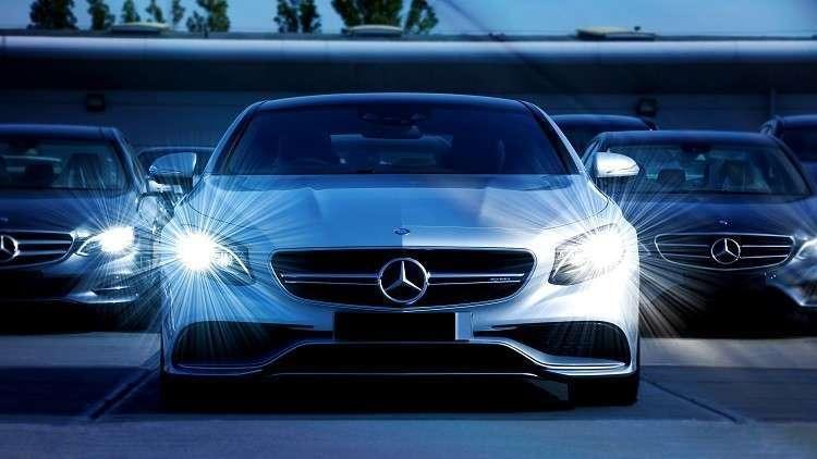 """السيسي يقترح على """"مرسيدس بنز"""" صناعة سيارات خاصة بمصر"""