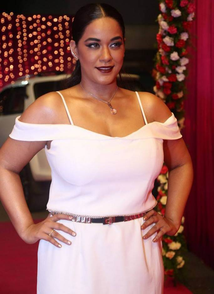 Sayesha Saigal At Zee Telugu Apsara Awards 2017 In Pink Dress