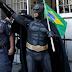 Entrevista exclusiva com o Batman das manifestações