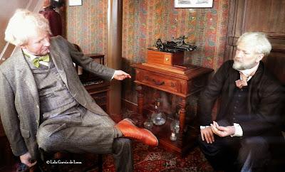 Thomas Alva Edison y Gustave Eiffel en la Torre Eiffel