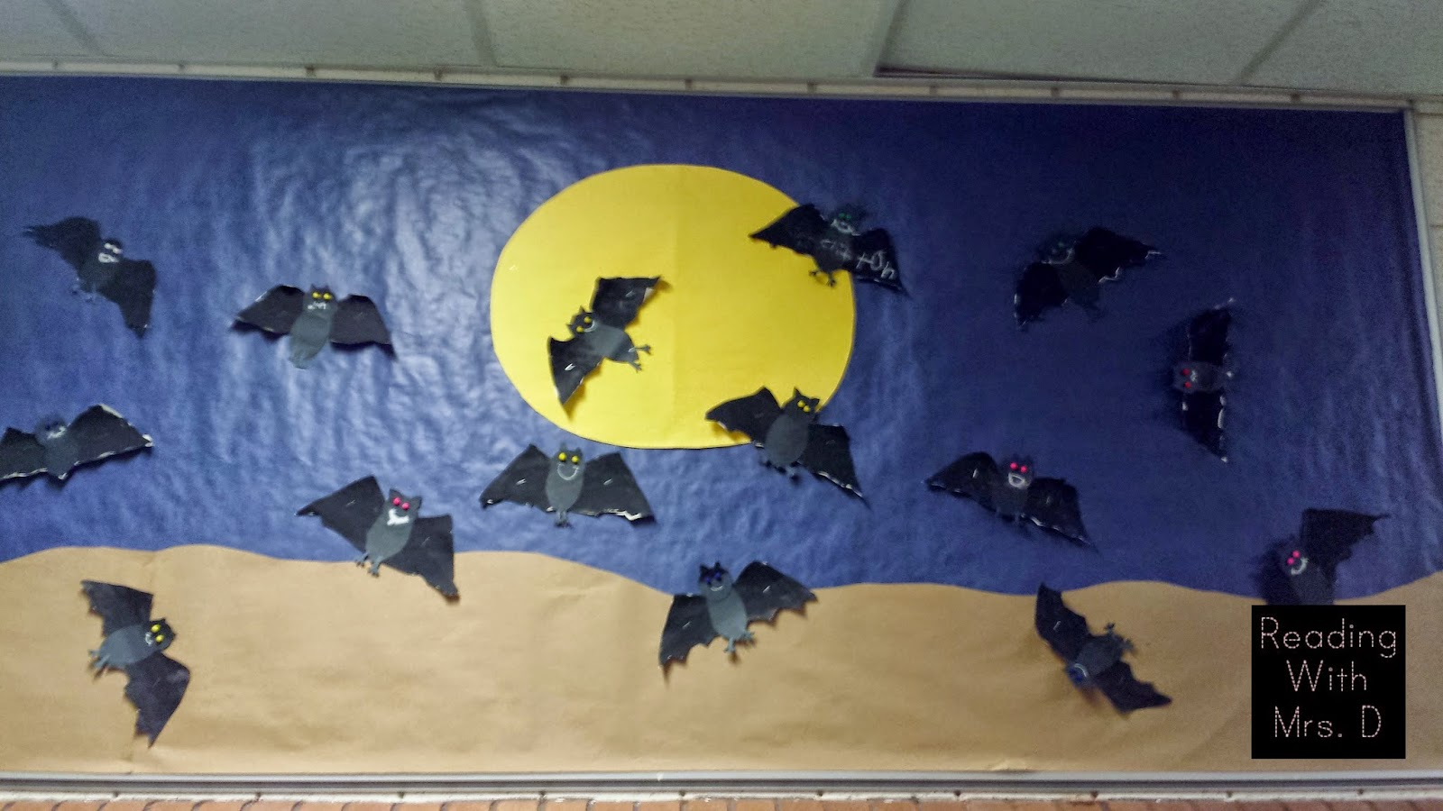 Reading with Mrs. D: Final Halloween Bulletin board post 2014