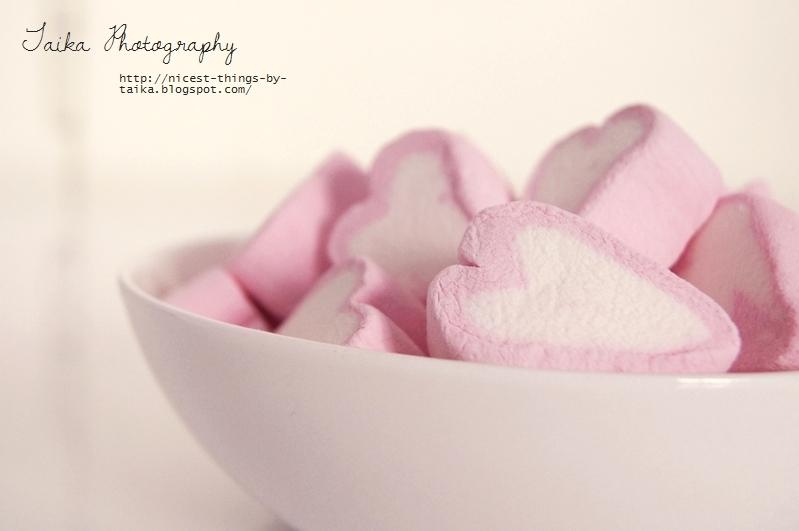 Marshmallowherzen in Rosa und Weiss