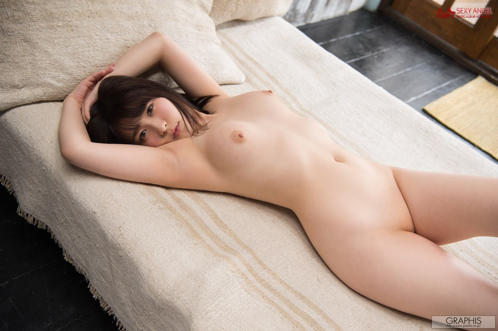 Graphis 2017-05-12 Rin Asuka - Sunny Place [120P/129MB]