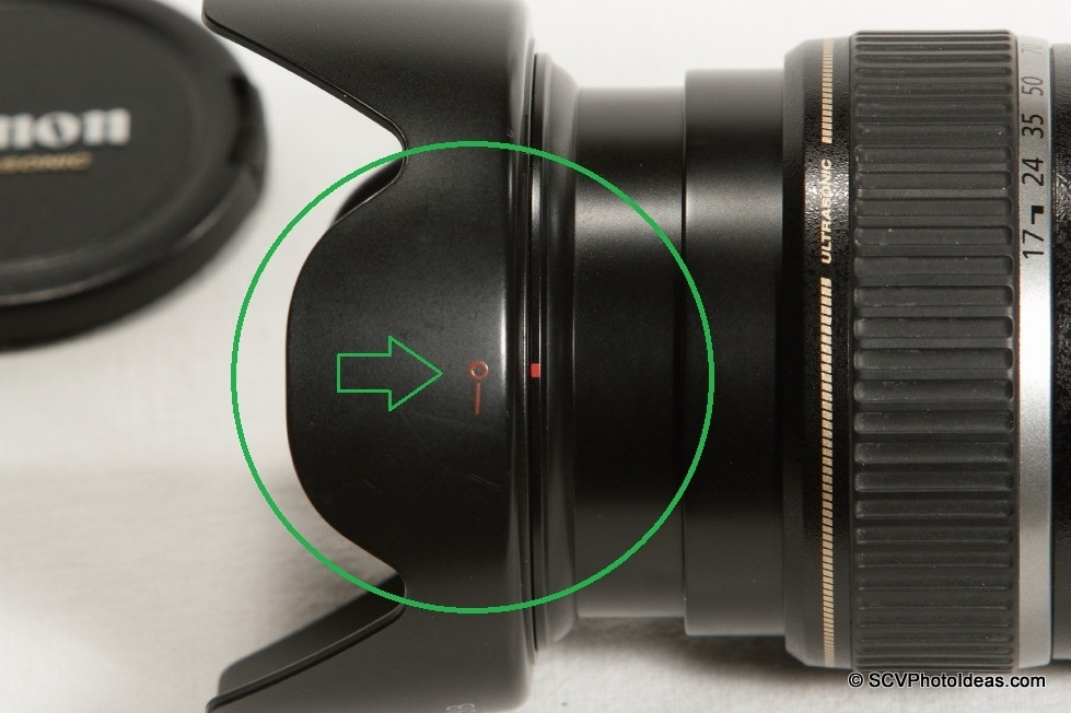 Canon EF-S 17-85mm F/4.0-5.6 IS USM - EW-73B hood mounting lock detail