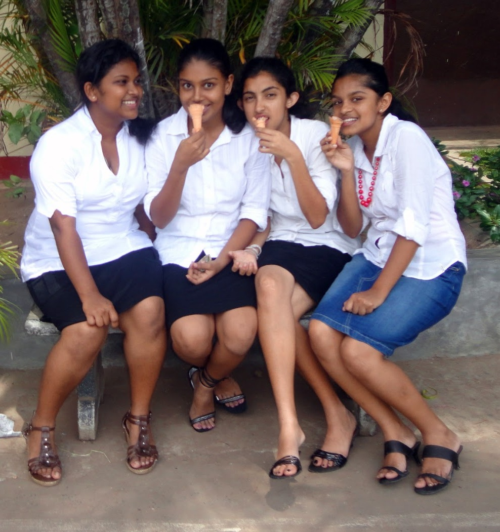 Srilankan school girls nute images, nude sexy female asian women