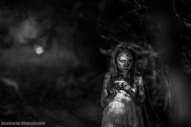 fotografia dzieci krakow, fotograf, jacek taran, krew, fotografia czarno-biala
