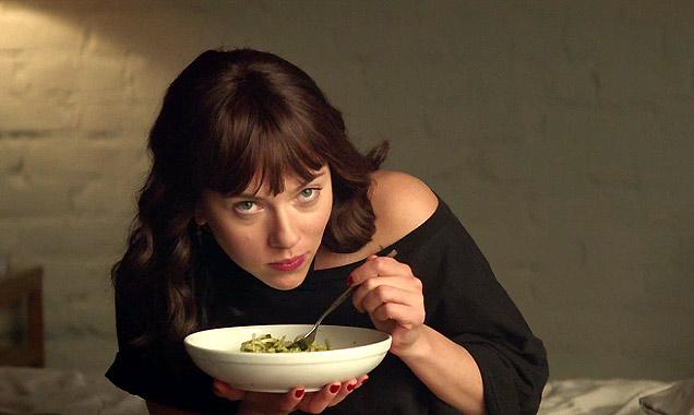 Spaghetti à l'ail pour séduire Scarlett Johansson ... Скарлет Мк