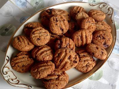 LCHF chokoladecookies uden tilsat sukker og mel