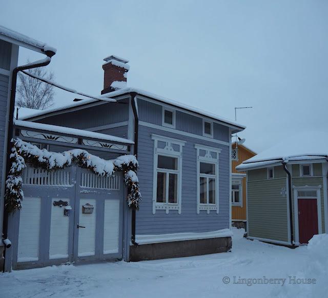 lingonberryhouse, mantle of snow, lumi, talvi, winter,naapurusto, neighborhood