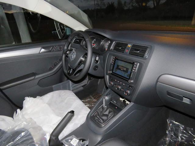Toyota Corolla GLi 2018 x VW Jetta Comfortline -  interior