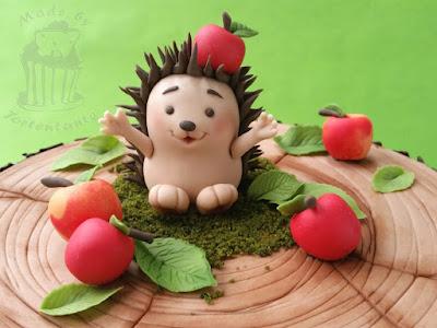 Hedgehog fondant modelling