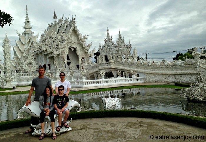 המקדש הלבן Wat Rong Khun