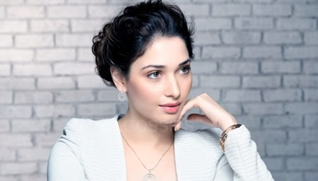 Tamanna sings Duet with 62 years old Hero