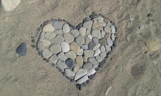 Puisi Cinta Sekeping Rasa Karya Lala