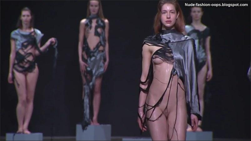 Fashion Show Naked 121