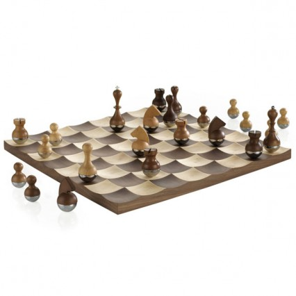 wobble chess board from REd Candy