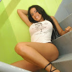 Andrea Rincon – Selena Spice – Sexy Top Blanco y Tanga Negra Foto 87